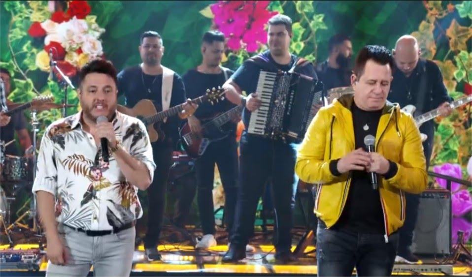 Bruno e Marrone no palco do Domingão do Faustão (Foto: Reprodução/Globo)